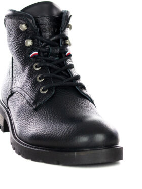 TOMMY Boots