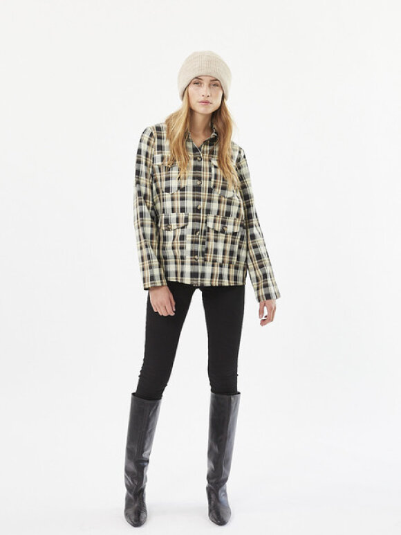 Minimum Fashion - minimum assu shirts
