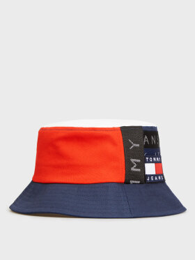 TOMMY TOMMY BADGE REPEAT LOGO BUCKET HAT